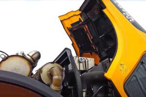 Die elektrisch öffnende Schutzhaube des HL975A CVT