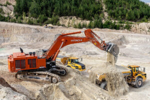 Read more about the article Zaxis 890LCH-6 im Tagebau