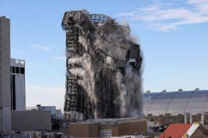 Sprengung des Trump Plaza im Februar 2021